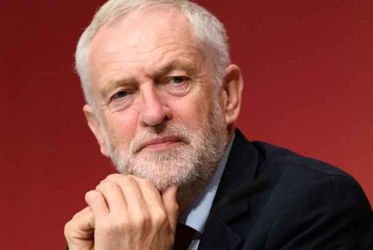 Pide perdón líder de la oposición en Reino Unido por antisemitismo dentro de su partido