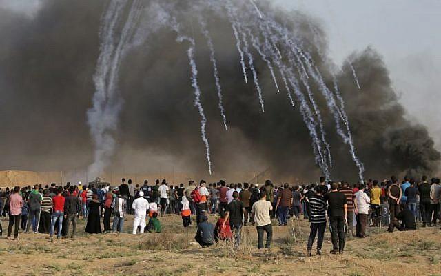 Oficial del ejército israelí herido por granada en protestas fronterizas de Gaza