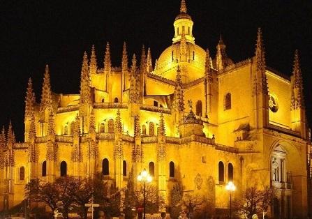 La Catedral de Segovia se llenará con la luz de Jerusalén 250 años después de su consagración