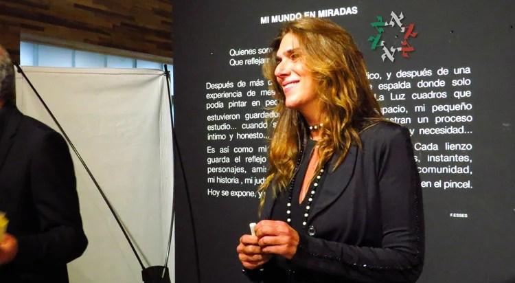 """Flor Esses expone """"Portrait, mi mundo en miradas"""" en el Centro Maguén David"""