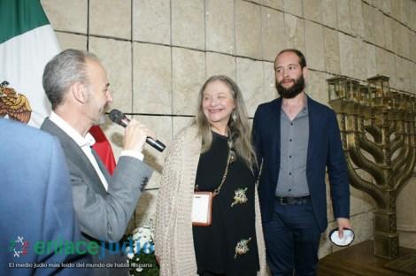 11-DICIEMRE-2018-GRAN EVENTO DE JANUCA E INAGURACION DE ESCULTURA LA FLAMA ETERNA DE LEONARDO NIERMAN EN EL CENTRO MAGUEN DAVID-59
