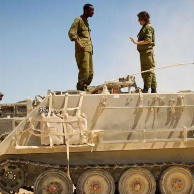 Soldados de las FDI son atacados por beduinos que intentan robar en la base