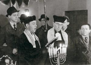 El 29 de julio de 1945, se celebró la primer boda judía en la sinagoga Rykestrasse de Berlín, desde la liberación de la ciudad, ocurrida tres meses antes