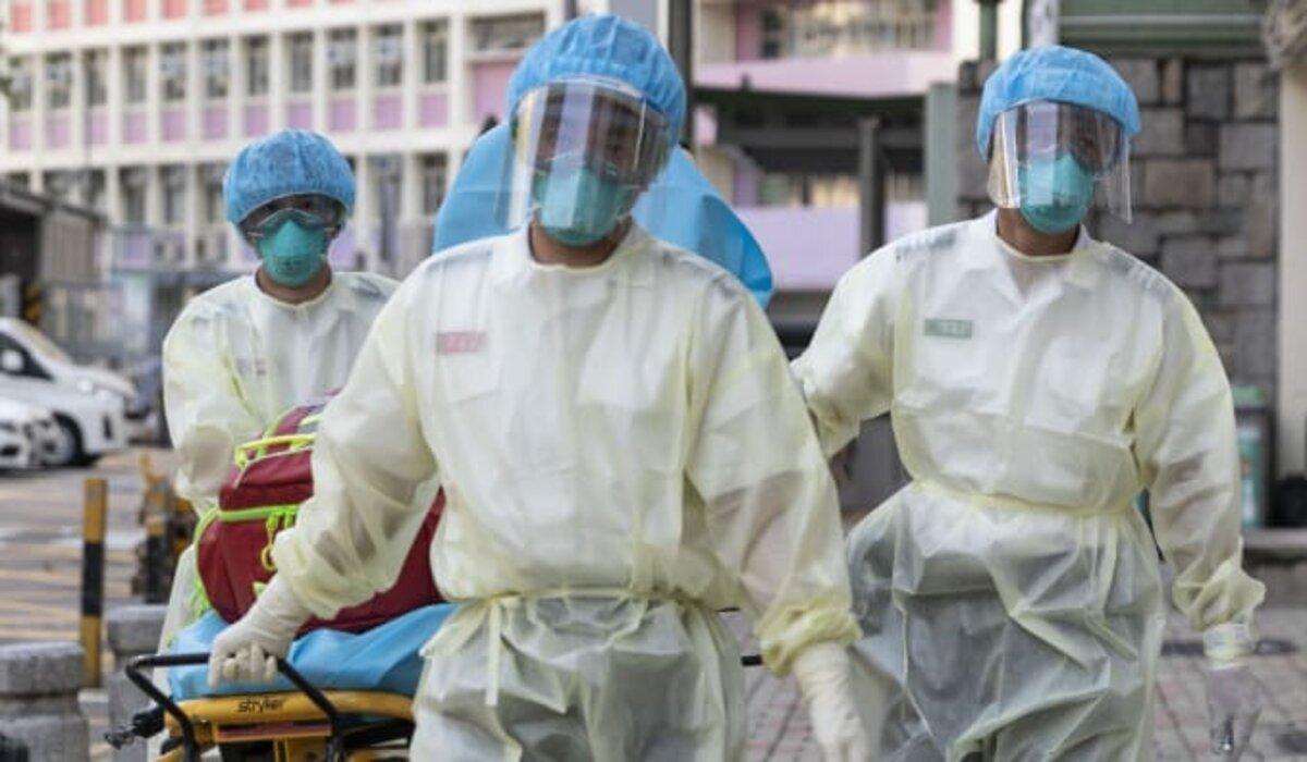 Un hombre se infectó de coronavirus tras recuperarse de un ataque en abril, los científicos dijeron que era el primer caso de reinfección en pocos meses