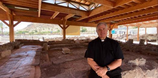 El padre Juan Solana resalta la importancia de la sinagoga de Magdala como punto de encuentro entre el judaísmo y el cristianismo