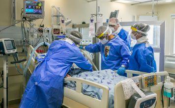 Equipo médico de Ichilov en la unidad de coronavirus, en el hospital Ichilov, Tel Aviv