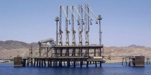 Empresa israelí firma acuerdo para transportar petróleo de EAU a Europa
