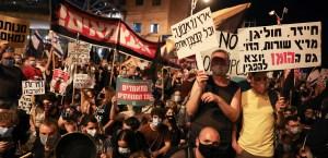 Manifestantes durante una protesta contra Benjamín Netanyahu en Israel