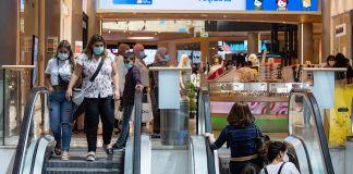 Centro comercial en Israel durante la pandemia de COVID-19