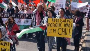 Manifestación anti-Israel de ciudadanos de Chile con origen palestino