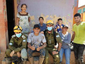 Delegación de expertos de Israel conviviendo con la población hondureña.