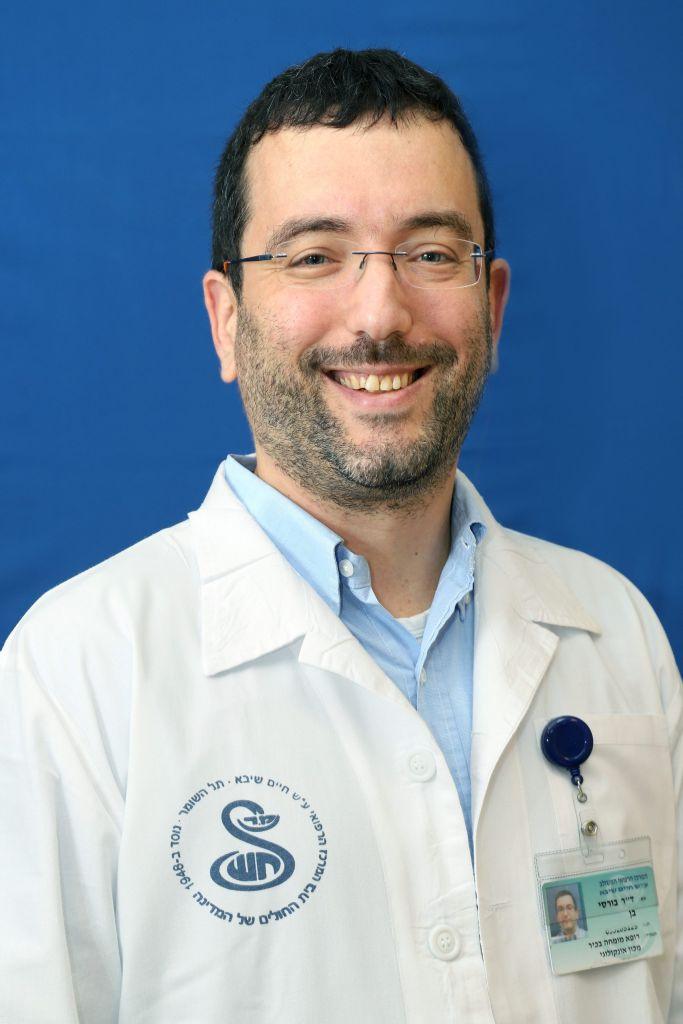 El médico israelí Ben Boursi