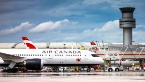 Avión de aerolínea de Canada
