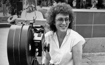 Joan Micklin Silver, la directora independiente pionera que luchó para llevar las historias judías a la pantalla grande, murió.