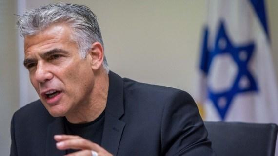 Yair Lapid, jefe del partido Yesh Atid, declaró el viernes que la policía debería usar cañones de agua para dispersar reuniones ilegales ultraortodoxas
