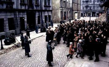 """Hace 78 años, el sábado 28 de febrero las mujeres alemanas """"arias"""" de Rosenstrasse fueron la excepción a la obediencia ciega que exigía el nazismo."""