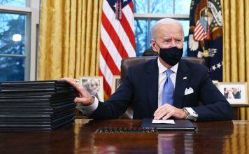 Joe Biden en la Sala Oval de la Casa Blanca