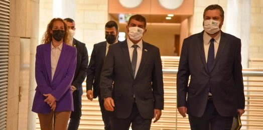 Canciller de Israel promete ayuda contra COVID-19 a su homólogo de Brasil