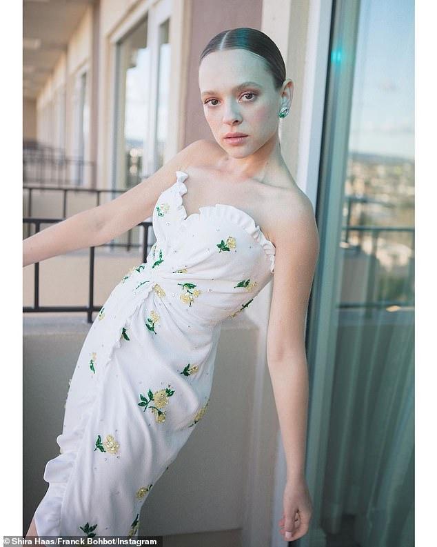 El vestido que diseñó Miu Miu para Shira Haas