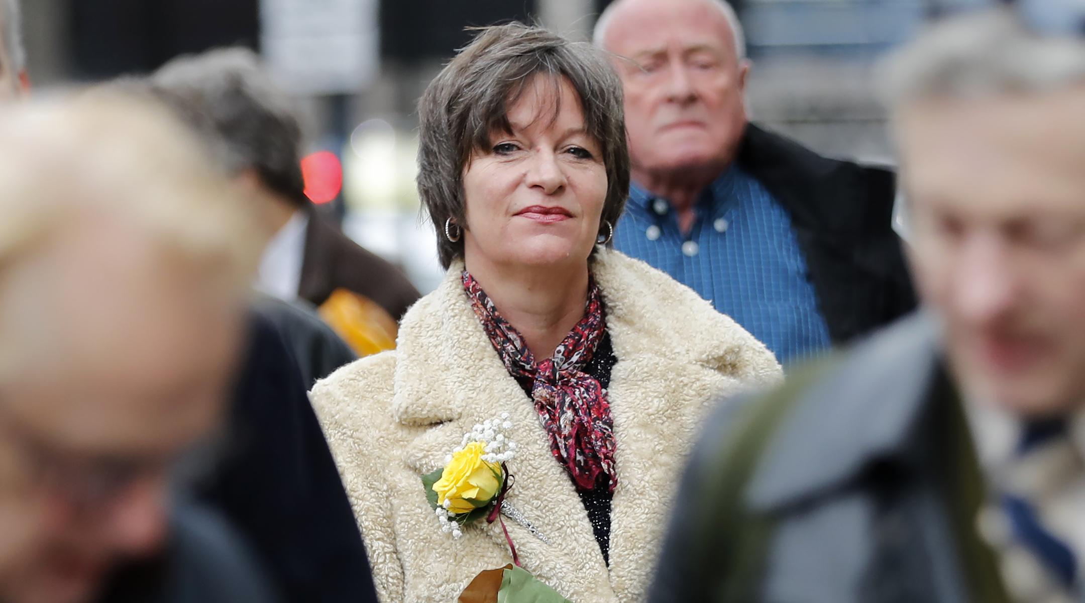 Una negacionista del Holocausto de Londres con condenas previas por incitar al odio contra los judíos va a la cárcel.