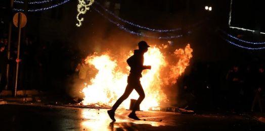 Noche violenta entre israelíes y palestinos en Jerusalén