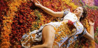Con el Tantra se utiliza la carga sexual de una relación para transformar la pasión en un estado elevado de conciencia y alcanzar dicha espiritual