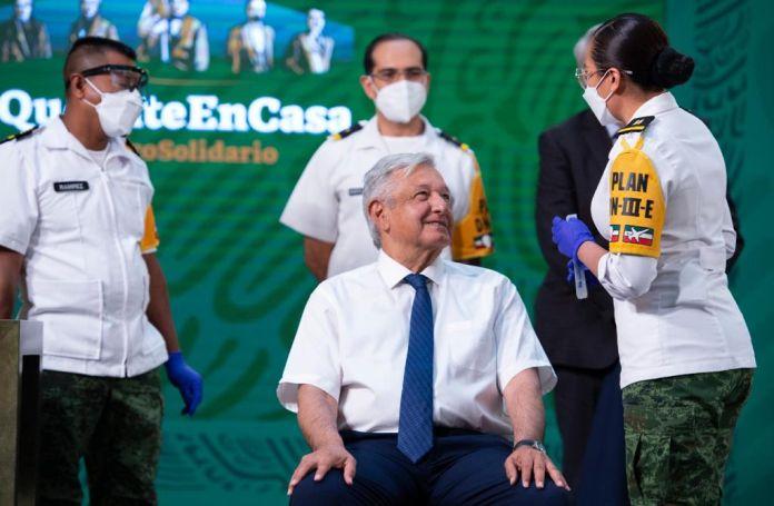El presidente mexicano previo a recibir la vacuna AstraZeneca