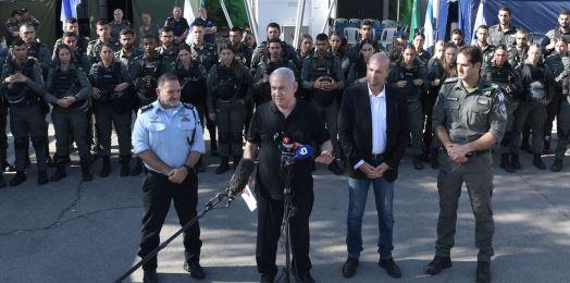 En los 2 frentes: Netanyahu acude a batería de la Cúpula de Hierro y Lod