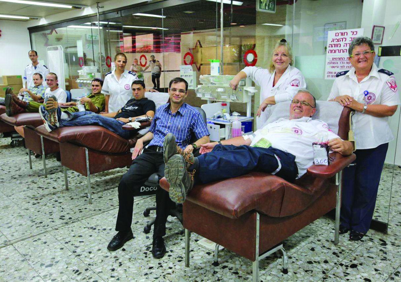 Los israelíes hicieron 271 mil 305 donaciones de sangre en 2020, anunció Magen David Adom, en el marco del Día Mundial del Donante de Sangre