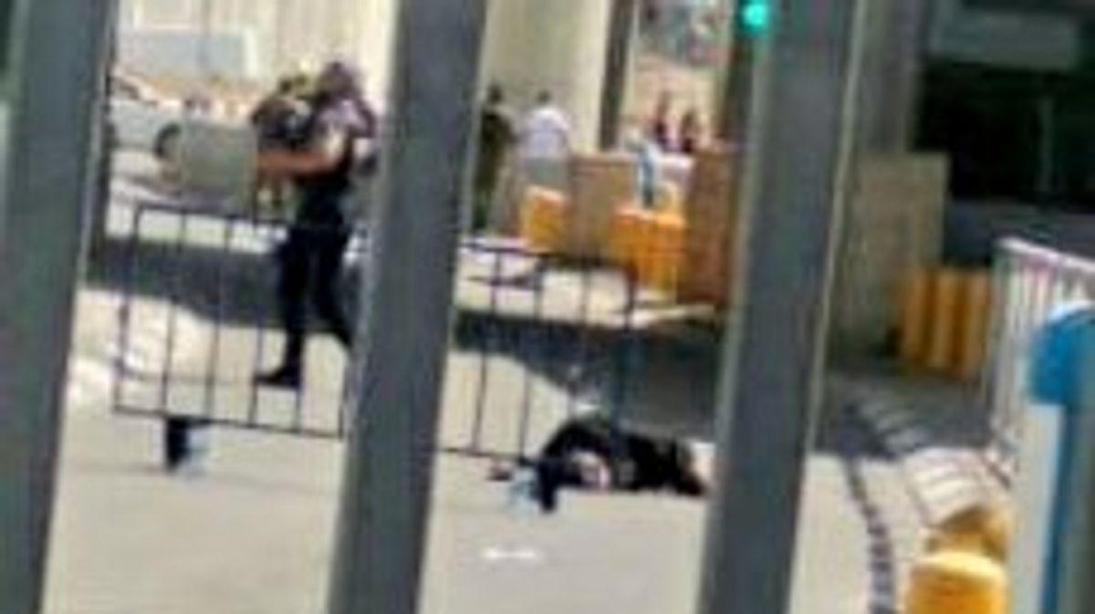 Informes indican un intento de ataque terrorista en el puesto de control de Kalandiya cerca de Jerusalén, Israel este sábado por la tarde