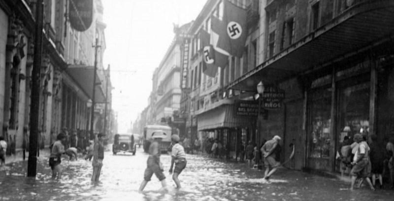 Banderas nazis en la Ciudad de México