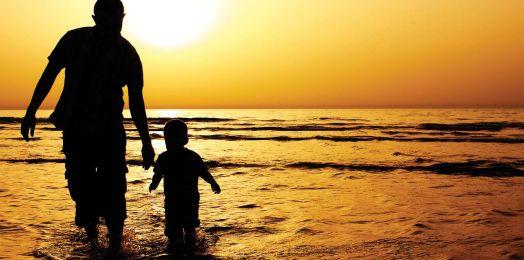 Siete tradiciones judías que honran al padre y jefe de familia