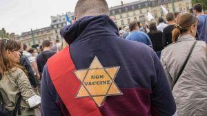 Un sobreviviente del Holocausto francés condenó a manifestantes contra las vacunas que se comparan con los judíos que fueron perseguidos por los nazis