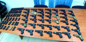 La policía de Israel y las FDI frustraron un intento de contrabando de 43 pistolas desde Líbano cerca de la aldea transfronteriza de Ghajar