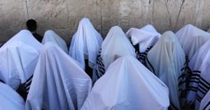 Judíos en el Muro de los Lamentos