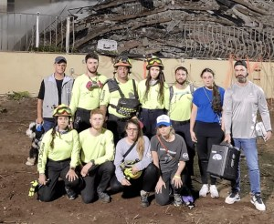 Cadena acudió a la zona de desastre para apoyar en las labores de rescate con ayuda canina, primeros auxilios y especialistas en distintas labores