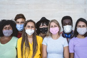 Si el homo sapiens sapiens hubiera usado cubrebocas y el 70% lo hubieran portado 3 semanas la pandemia por el SARS-COV2 hubiera desaparecido