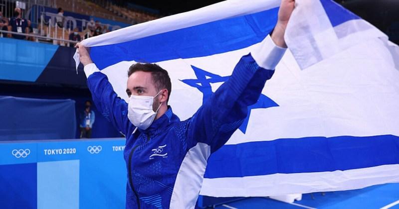 Artem Dolgopyat tras su victoria en los Juegos Olímpicos de Tokio