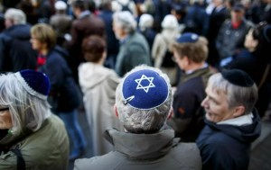 Delitos de odio han aumentado en España, según un informe del Ministerio del Interior que también informó que el antisemitismo ha disminuido un 40%