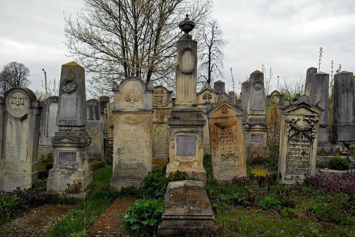 Tumba del Rabino Najman en el cementerio judío en Chernivtsi, Ucrania occidental