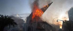 Queman iglesias en Chile. Qué hizo el Centro Wiesenthal