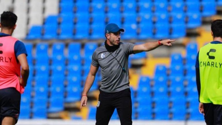 Querétaro despide a Alex Diego tras mala racha