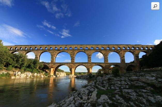 Les majestueux Pont du Gard