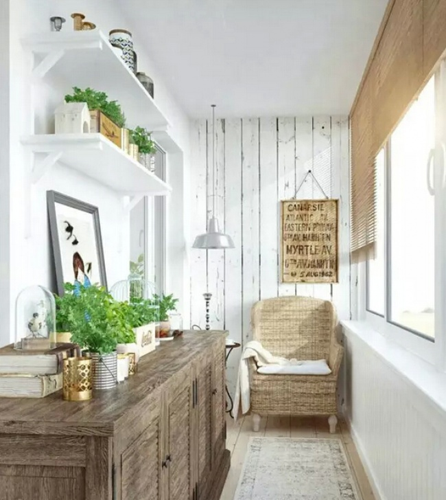 1179755-650-petit balcon