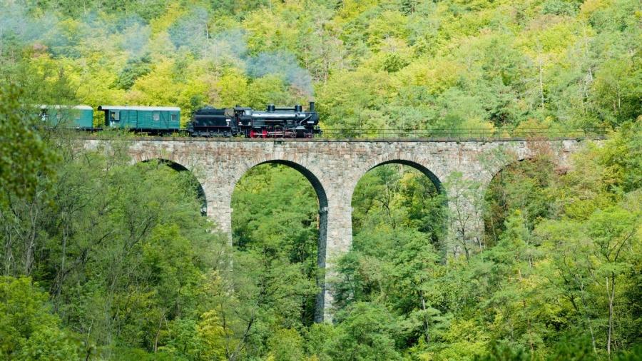 399905-900-1457619007-Zampach-Viaduct-Train République Tchèque