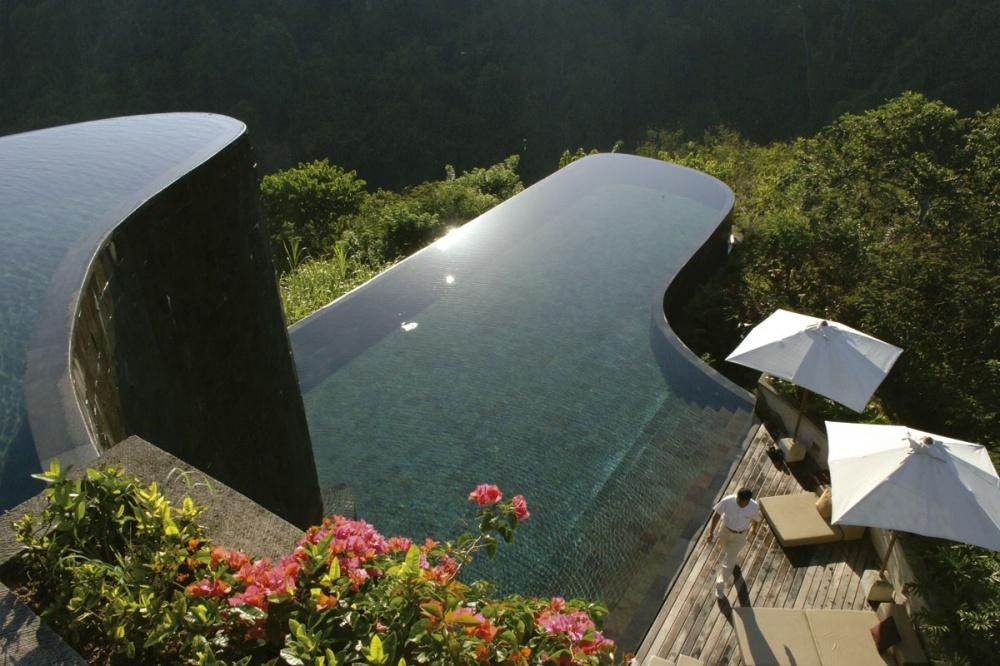 Piscine -1000-piscinas_que_tocan_el_cielo_921044947_1200x800