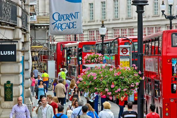 London-Busy-Street