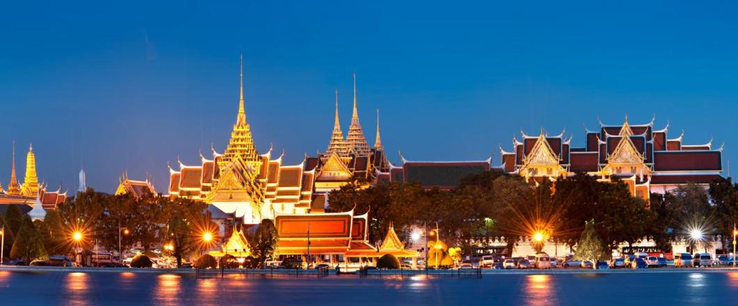Thailand-Bangkok-Grand-Palace-at-Night-LT-Header