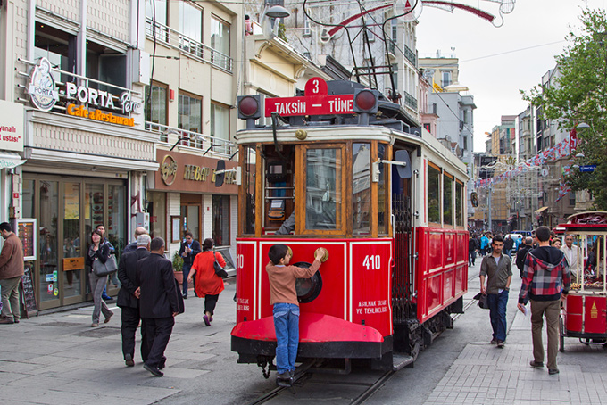 red-tram-beyoglu-istanbul