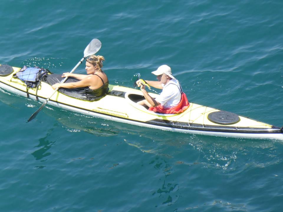 L'immagine può contenere: 1 persona, oceano, spazio all'aperto, acqua e natura